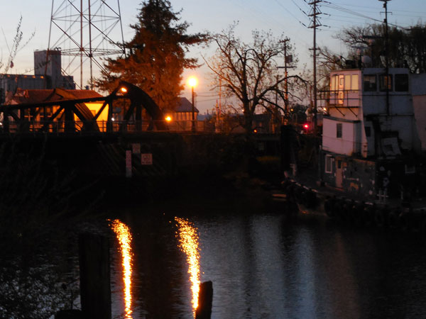 drawbridge-tugboat